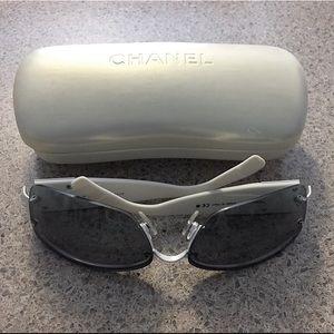Authentic CHANEL Sunglasses 4117B